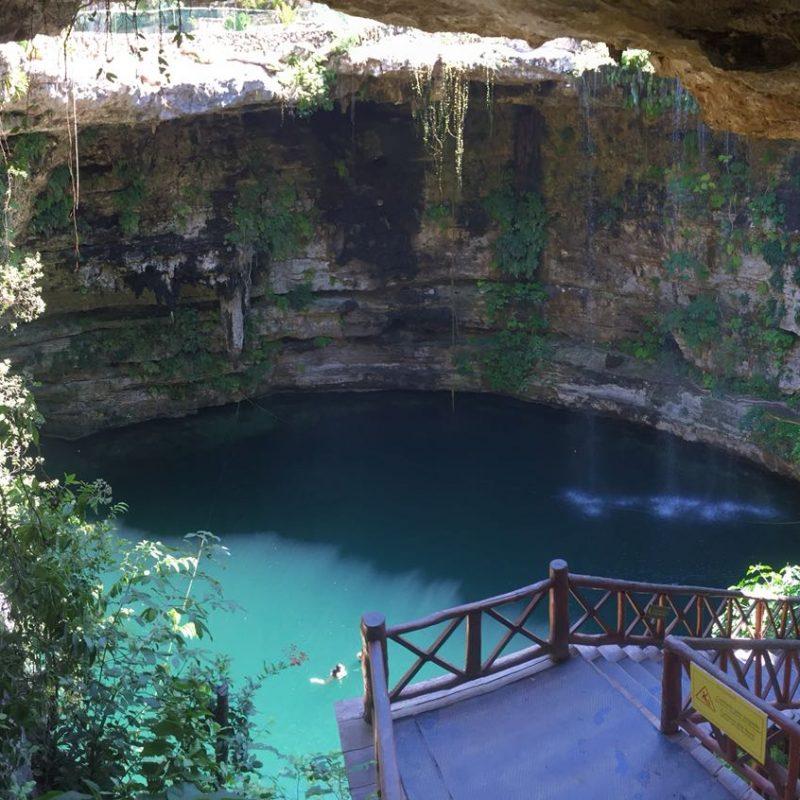 Baignade dans un cenote surprenant et repas